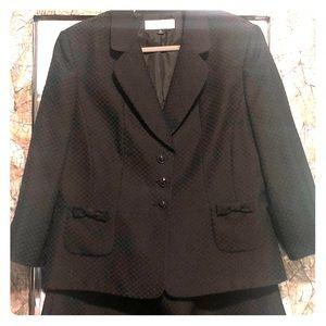 Tahari Plus size cute black skirt suit